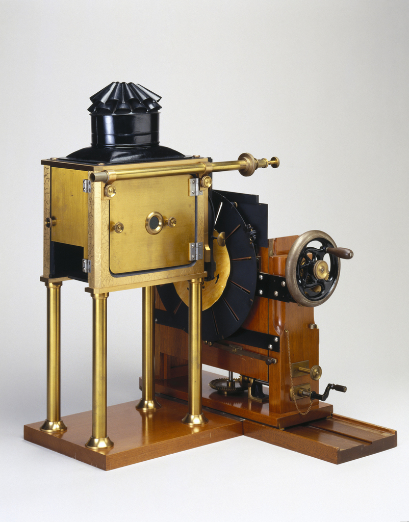 Replica of the zoopraxiscope designed by Eadweard Muybridge (1830-1904) 1880 (wood) / National Media Museum, Bradford, West Yorkshire / © Science and Society Picture Library / Bridgeman Images 260227.jpg 260227