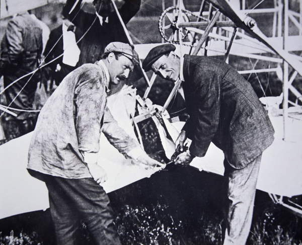 The Wright Brothers (bw photo)  Private Collection  Peter Newark American Pictures  Bridgeman Images  351742