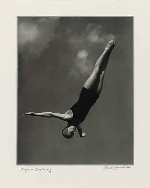 Majorie Gestring, 1936 (gelatin silver print), Leni Riefenstahl (1902-2003) / Private Collection / Photo © Christie's Images / Bridgeman Images