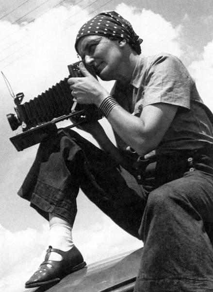 DOROTHEA LANGE (1895-1965) American photographer. 1934 (bw photo)  Granger  Bridgeman Images