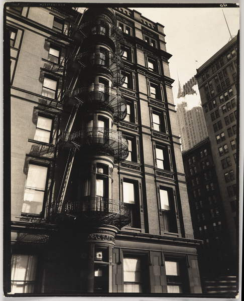 Murray Hill Hotel (Park Avenue and 41st Street), New York, USA, 1935 (gelatin silver photo), Abbott, Berenice (1898-1991)  Brooklyn Museum of Art, New York, USA  © Brooklyn Museum of Art  Bridgeman Images