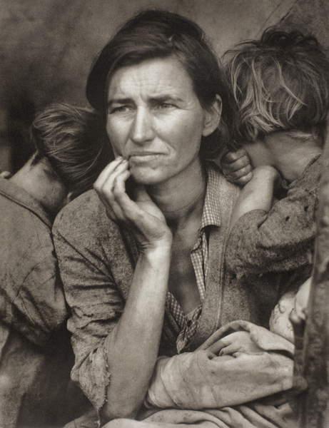Migrant Mother, Nipoma, California, 1936, printed later (photogravure), Lange, Dorothea (1895-1965)  The Art Institute of Chicago, IL, USA  © Art Institute of Chicago  Bequest of Michael Cohen  Bridgeman Images