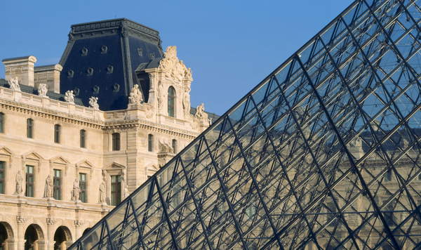 View of the Louvre pyramid at the Colbert Pavilion, Ieoh Ming Pei in collaboration with Michel Macary and Jean-Michel Wilmotte, Louvre Museum, Paris / Bridgeman Images