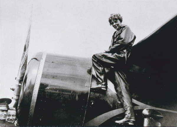 Amelia Earhart, 1932 (b/w photo), American Photographer, (20th century) / Schlesinger Library, Radcliffe Institute, Harvard University / © Schlesinger Library, Radcliffe Institute, Harvard / Bridgeman Images