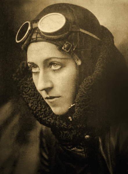 Portrait of Amy Johnson, c.1933-35 (bw photo), Capstack, John (1881-1967)  Private Collection  Prismatic Pictures  Bridgeman Images