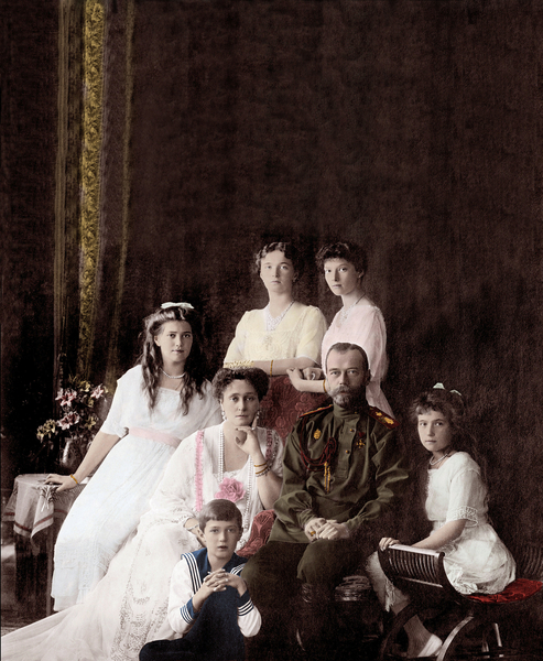 Imperial family of Russia / © Giancarlo Costa / Bridgeman Images