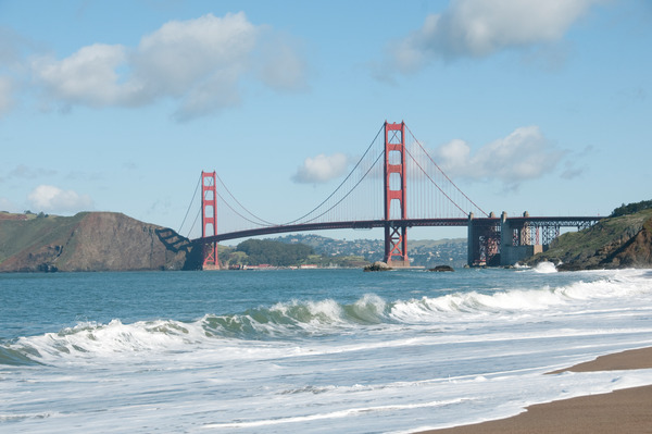 USA, California, San Francisco, Baker Beach and the Golden Gate Bridge / Dorling Kindersley/UIG