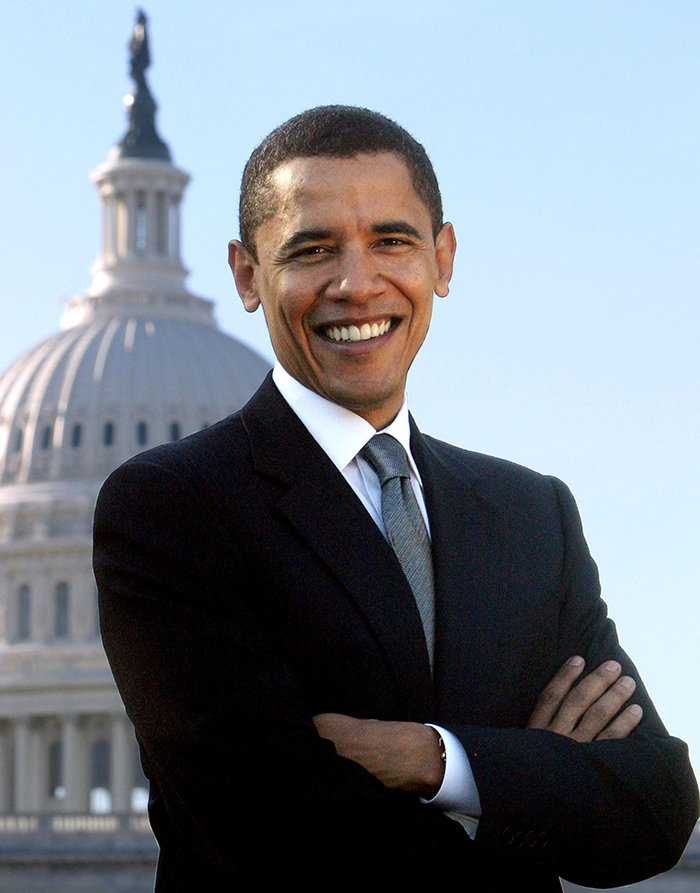 Senator Barack Obama poses in the front of the Capitol building in Washington, DC, USA, on August 03, 2006 / Photo © PVDE