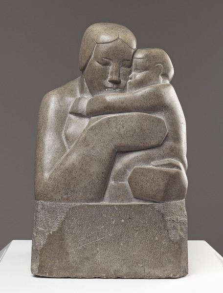 Mother and Child / 1927 by Barbara Hepworth / Art Gallery of Ontario, Canada