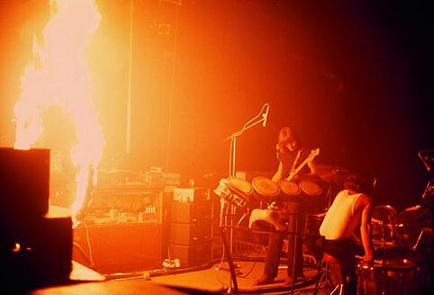 pink-floyd-band-fire-music